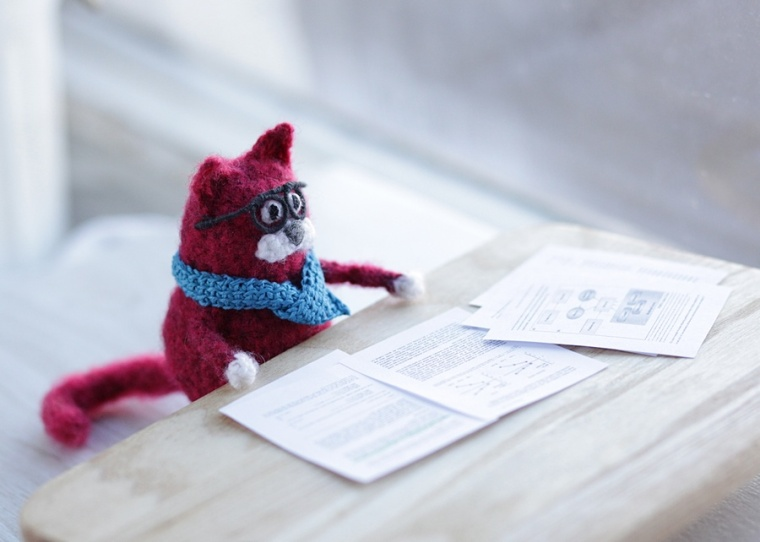 crochet cat studying